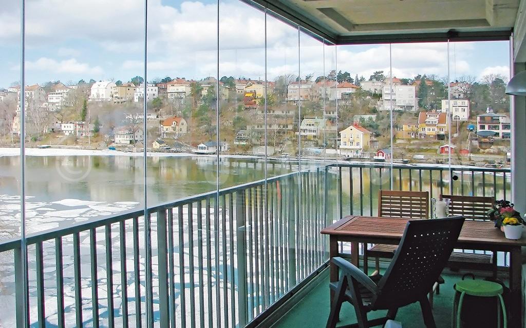 Fermer son balcon habitat et fermeture - Comment etancher un balcon ...